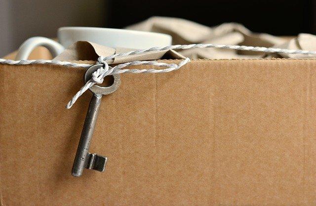 caja mudanza llave taza carton asturias